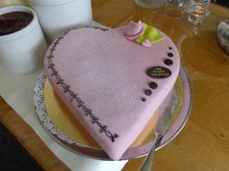 Valentine Cake - cake, table, rose, decoration, plate, pink