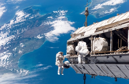 Spacewalk - Space suits, Space station, Spacewalk, Planet Earth