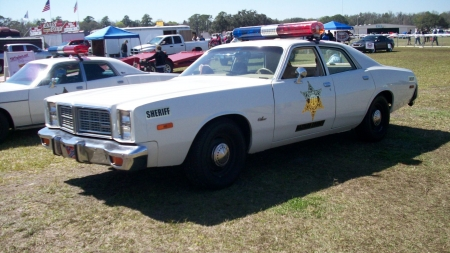 1978 Dodge Monaco Police Car - White, Hazzard County, Light Bar, Mopar