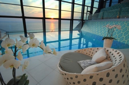 Cozy Living Room - architecture, view, ocean, living room, swimming pool, sea, modern, house of a friend, blue