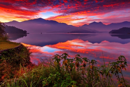 Amazing sunset - colorful, shore, beautiful, sunset, sky, lake, mountain, serenity, mirror, reflection, tranquility