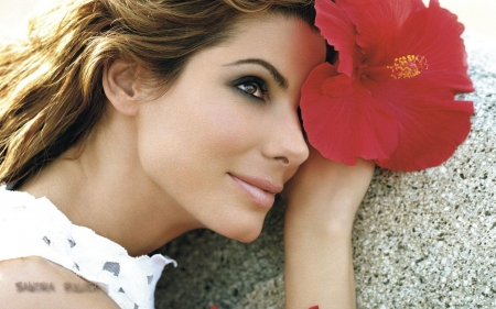 Sandra Bullock - pretty, beautiful eyes, brown hair, flower, Actress, smile