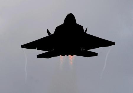 F22 RAPTOR IN SILHOUETTE - f22, raptor, recon, jet