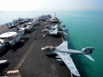 planes on aircraft carrier