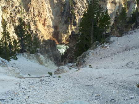 Downward Spiral, Grand Canyon of West Yellowstone - Mountains, Canyons, Scenic, National Parks, Rivers
