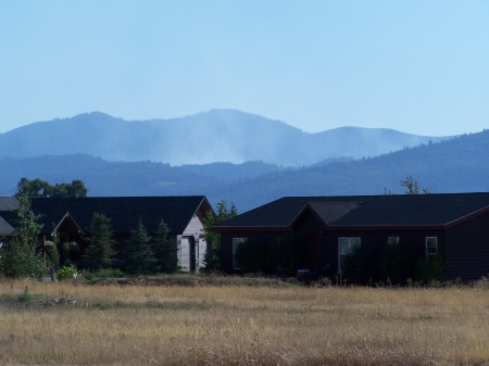 Tie Canyon Fire seen from Fox Creek, Idaho - Air Quality, Sky, Firefighting, Mountains