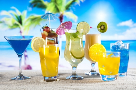 *Citrus Cocktails* - liquid, kiwi, umbrella, yellow, cocktails, lime, sweet, beach, fruit, yummy, drink, blue, parties, drinks, beverage, lemon, citrus, summer, tropical