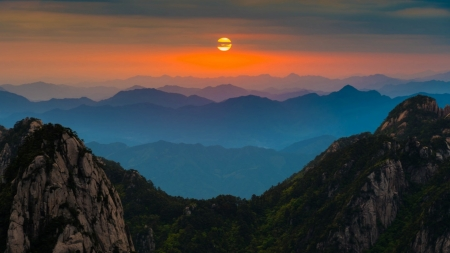 Horizon Sunset - horizon, orange, mountains, nature, sunset, silhouette, clouds, sky