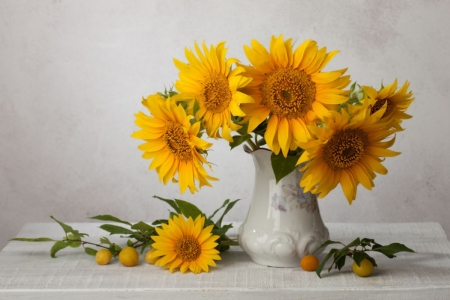 ♥ - yellow, vase, flowers, abstract