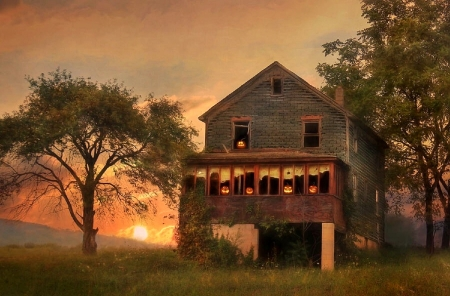 Haunted House - architecture, halloween, houses, love four seasons, haunted, attractions in dreams, creative pre-made, ghost, spooky, sunsets, screepy, pumpkins