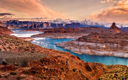 National Park Glen Canyon, Lake Powell, Arizona, USA - Sky, River, Canyon, Nature