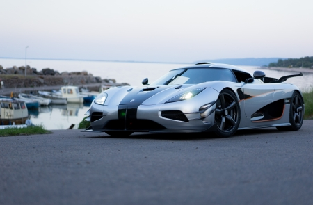 Koenigsegg One:1 - super car, One 1, car, auto, Koenigsegg