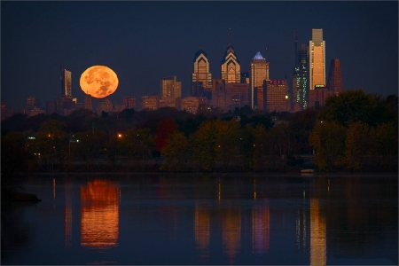 Philadelphia Perigee Full Moon - cool, Moon, space, Philadelphia, fun