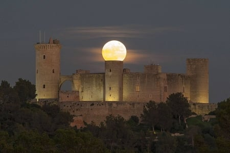 Supermoon over Spanish Castle - architecture, moon, cool, space, fun, castle