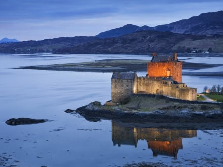 Back-light Reflection - sky, lake, mountains, fortress, nature, evening, reflection, castle, great britain