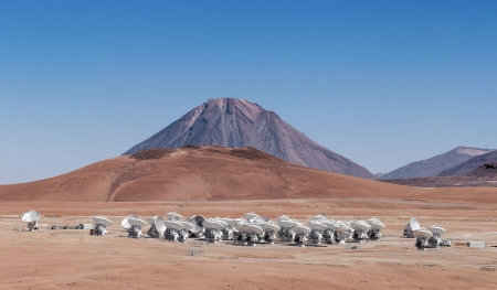 The telescopes of the ALMA array spread across the Chajnantor plateau in Chile - array, Chile, Telescopes, plateau, Chajnantor, ALMA