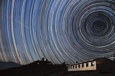 Star trails - star trails, South celestial pole, long time exposure, La Silla Observatory