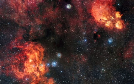 The Cat's Paw and Lobster Nebulae - Lobster Nebula, VLT Survey Telescope, Cats Paw Nebula, Hydrogen gas glows red