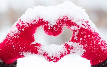 Love Heart in the Snow - Love, warm, heart, san, day, valentine, Sow
