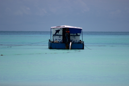 Meeru - boat, blues, sky, sea