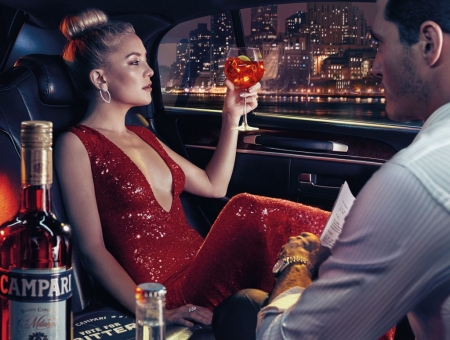 Kate Hudson - red, dress, campari, man, woman, limuzina, Kate Hudson, add, actress, car, commercial, couple
