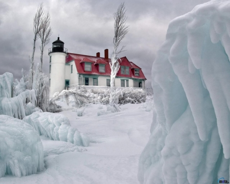 Lighthouse in Winter - snow, ice, winter, lighthouse, trees, nature