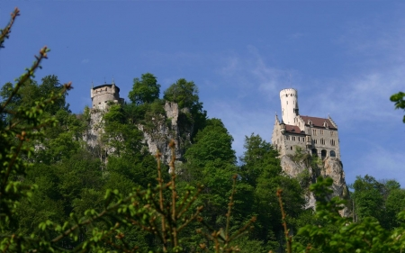 Castle Liechtenstein - building, rocks, germany, mountains, beidge, trees