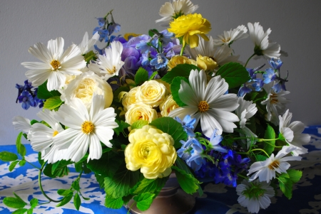 Spring bouquet - lovely, bouquet, vase, colorful, flowers, spring, pretty, still life, beautiful