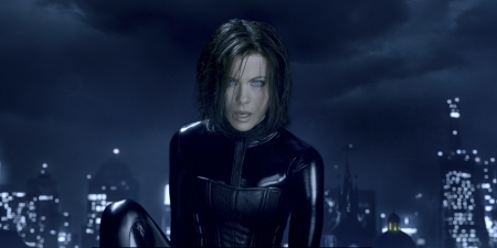 Underworld (2003) - movie, Kate Beckinsale, film, 2003, Selene, character, actress, snow, Underworld, vampire, acting, actor