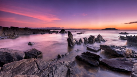 Rocky Beach - rocks, shore, dawn, sunset, twilight, sky, sea, beach, sunrise, Firefox Persona theme
