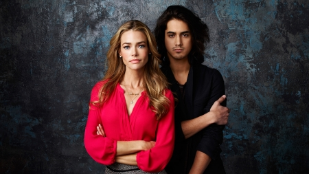 Twisted (TV Series 2013–2014) - poster, man, woman, Denise Richards, actress, Avan Jogia, tv series, actor, twisted