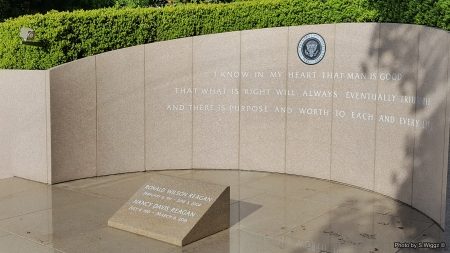 RIP Mr. & Mrs. Ronald Reagan - Tomb, Library, Nancy, Reagan, California, Ronald