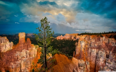 Clouds over Bryce Canyon National Park - Canyons, National Parks, Nature, Rocks, Mountains, Clouds, Sky