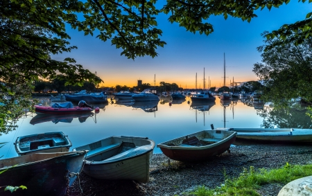 Evening river - orange, sunset, nice, boats, scenario, bright, evening, morning, sunbeam, marina, dawn, brightness, sky, trees, personal boats, cool, surface, awesome, sunshine, scenic, beautiful, sand, green, sun rays, river, mirror, scenery, blue, amazing, reflex, pier, leaf, riverscape, reflections, harbor, sailboats, scene