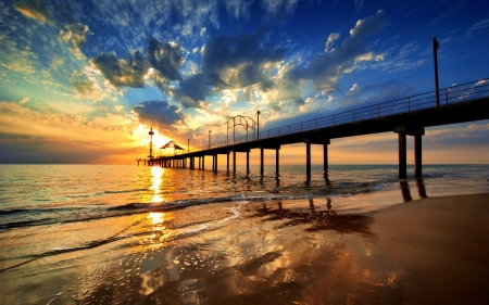 Beach Sunset in California - pier, sun, sky, sea, clouds