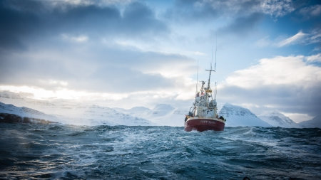 FORTITUDE - mystery, icy water, original, thriller, boat, series, Fortitude, drama, great, Norway