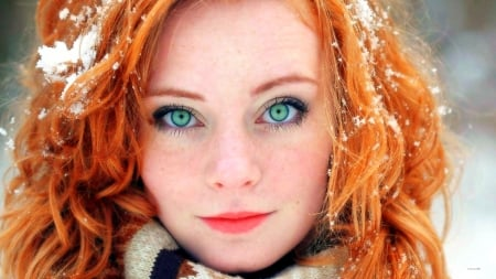Model--With--Red-Hair-And-Green-Eyes - model, eyes, green, redhair