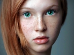 Model--With--Red-Hair-And-Green-Eyes-3