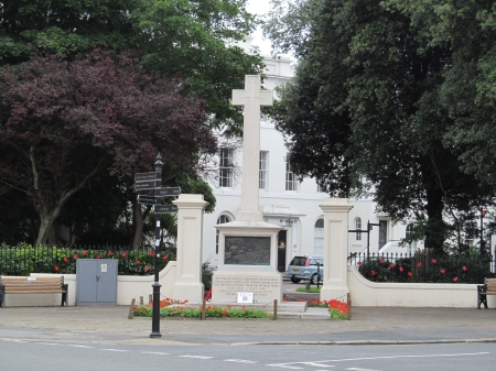 War Memorial & Town Hall - Town Halls, Memorials, Architecture, Seasides