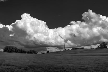 Monochrome Sky - scenic, sky, Monochrome Sky, clouds, beautiful sky, monochrome