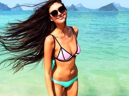 Ariana grande sexy hot bikini