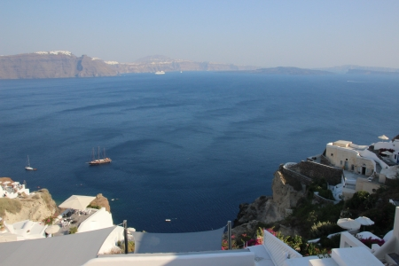 Santorini - relaxed, big ocean, warm ocean, blue ocean
