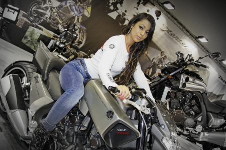 yamaha vmax - brunette, girl, vmax, yamaha, bike, motorcycle