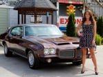 1971 Pontiac GTO 400 and Girl