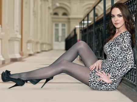 Elizabeth Gillies Dress Model Legs Elizabeth Gillies Gillies Beautiful