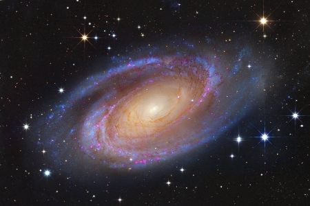 Bright Spiral Galaxy M81 - stars, fun, M81, cool, galaxies, space