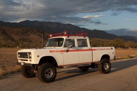 1973 International 4x4 Pickup Truck - Other & Cars