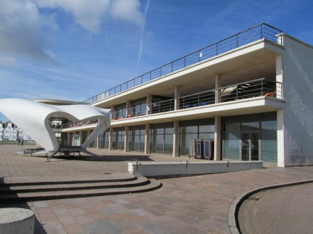 Pavilion & Sculpture - Pavilions, Sussex, Bexhill, Art Deco, Sculptures