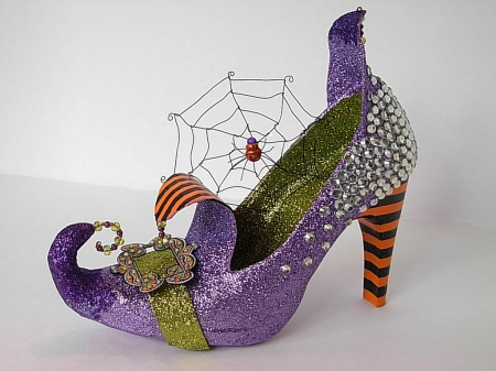 Witches (Bruja) Shoe - Web, Pointed, Curl, Wicca, Halloween, Spider
