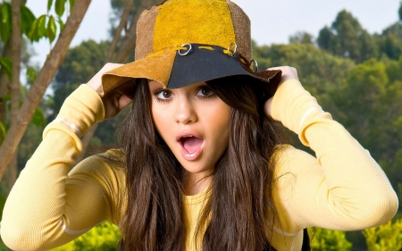 selena-gomez - selena, gomez, actress, women